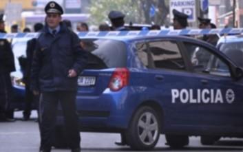 Χειροπέδες σε έναν 14χρονο για την επίθεση στο σερβικό πούλμαν