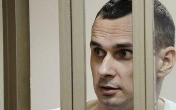 Ρωσικό δικαστήριο καταδίκασε σε κάθειρξη 20 ετών τον σκηνοθέτη Όλεγκ Σεντσόφ