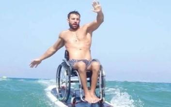 Ο παραολυμπιονίκης που δάμασε τα κύματα