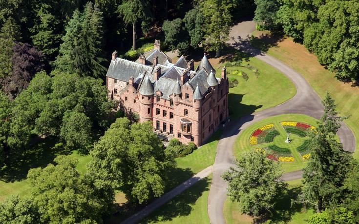 Στο εσωτερικό του κάστρου που εποφθαλμιά η Taylor Swift