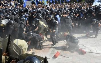 Καταδικάζει το ΥΠΕΞ τις αιματηρές συμπλοκές στην Ουκρανία