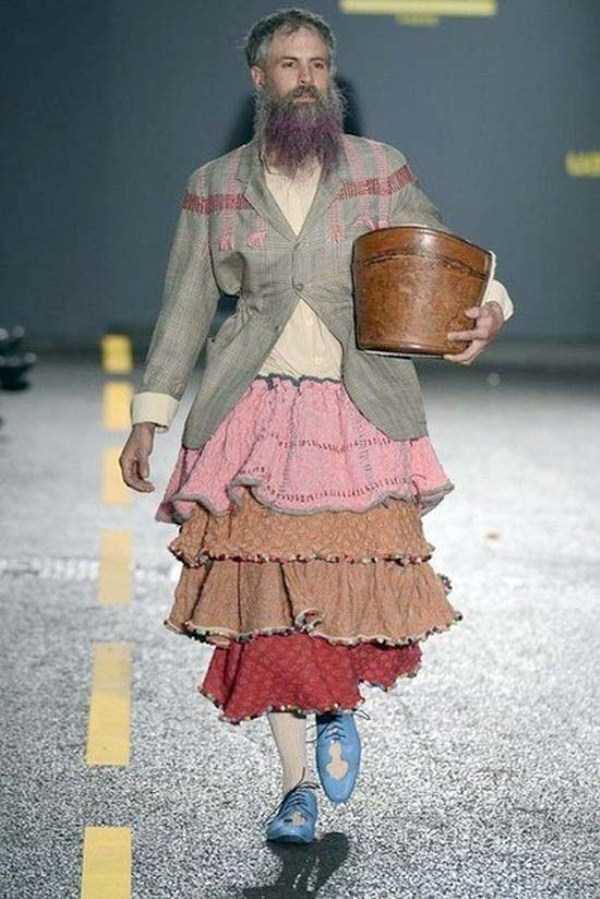 weird-bizarre-eccentric-fashion-22