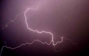 Κεραυνός χτύπησε 14χρονο παιδί στη Λάρισα
