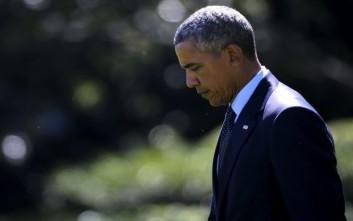 Τις οικογένειες των θυμάτων του μακελειού του Όρεγκον βλέπει ο Ομπάμα