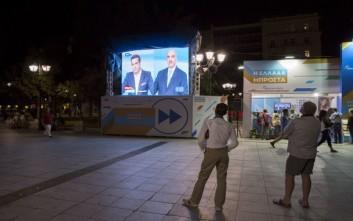 Handelsblatt: Ο Τσίπρας δείχνει την πλάτη του στους συντηρητικούς
