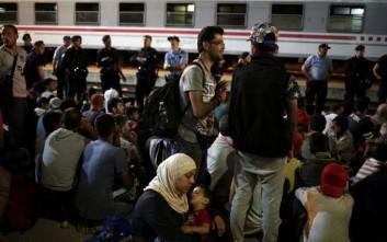 Στον Πειραιά έφτασαν ακόμη 1.742 πρόσφυγες από τη Μυτιλήνη