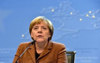 «Περιοχές τράνζιτ» για την αντιμετώπιση της μαζικής ειροής προσφύγων προτείνει η Μέρκελ