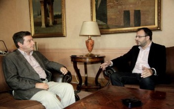 Το προσφυγικό ζήτημα συζήτησαν οι Γ. Καμίνης και Θ. Θεοχαρόπουλος