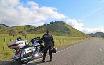 Ο Έλληνας με τη Harley Davidson στο νησί των ιθαγενών Μαόρι