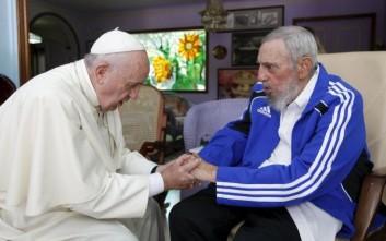 Φωτογραφίες από τη συνάντηση του Φιντέλ με τον Πάπα Φραγκίσκο