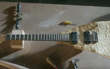Μια κιθάρα από... τορτίγια