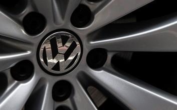 Αναστέλλονται οι πωλήσεις των «ύποπτων» Volkswagen στην Ιταλία