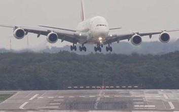Μεθυσμένος επιβάτης ανάγκασε αεροπλάνο να προσγειωθεί στα Χανιά