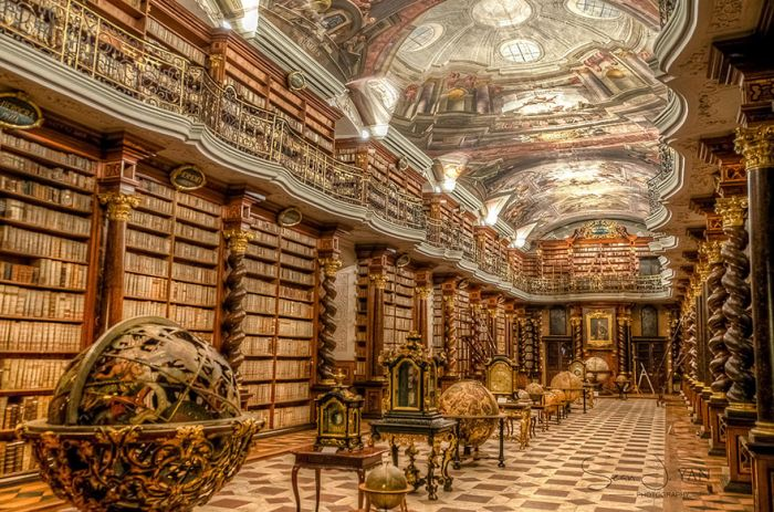 beautiful_library_prague_01
