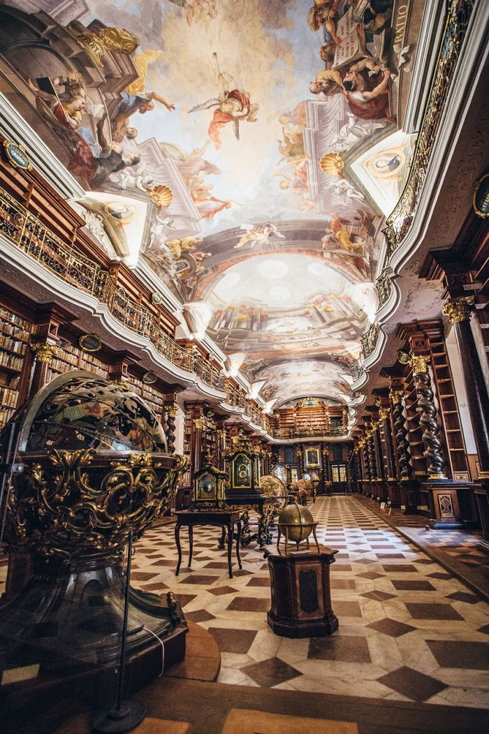 beautiful_library_prague_02
