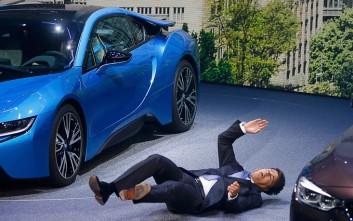 Λιποθύμησε την ώρα της συνέντευξης Τύπου ο διευθυντής της BMW