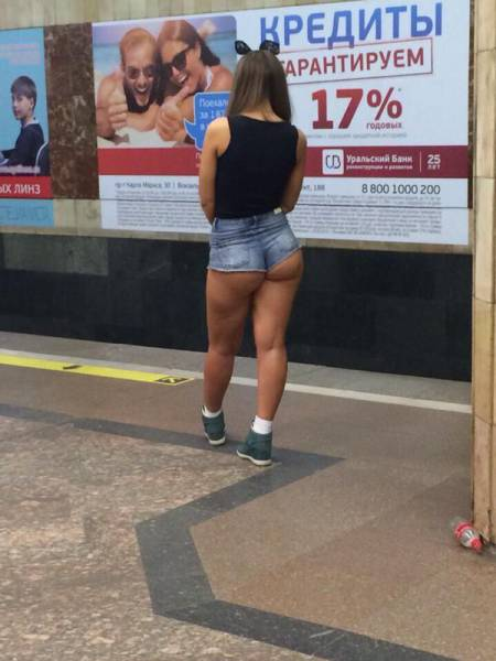 candid_street_fashion_that_should_never_be_allowed_640_15