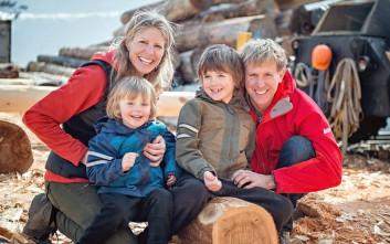 Το τρελό ταξίδι τετραμελούς οικογένειας από τον Καναδά στα Ιμαλάια