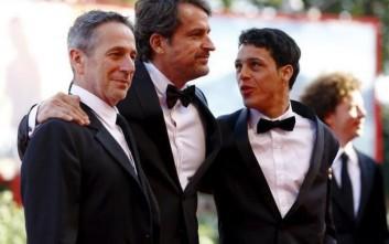 Χρυσός Λέοντας στην ταινία «Desde Alla»