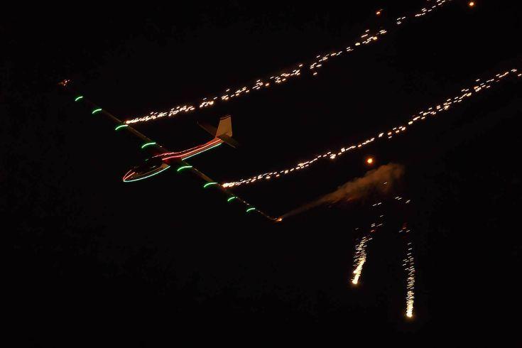 O Johan Gustafsson με το SZD-59 ACRO Glider στο Τατόι