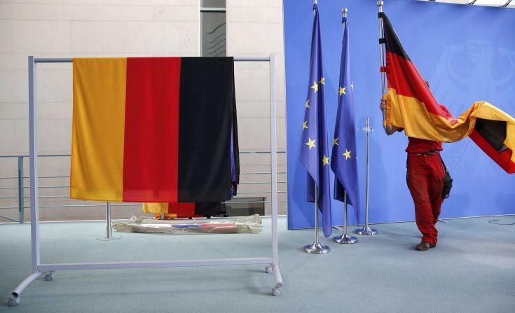 Οι σοσιαλδημοκράτες πήραν «κεφάλι» στην προεκλογική κούρσα της Γερμανίας