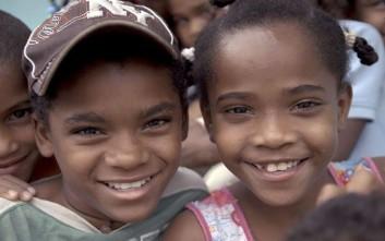 Κορίτσια μεταμορφώνονται σε αγόρια αποκτώντας ακόμα και ανδρικό μόριο