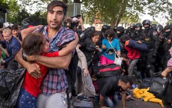 Παιδιά και δημοσιογράφοι στους τραυματίες στην Ουγγαρία