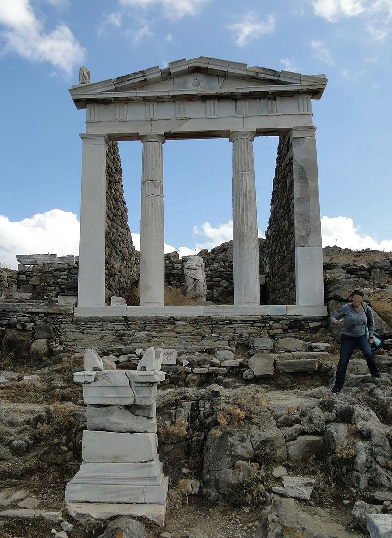 Ο αναστηλωμένος ναός της Ίσιδας