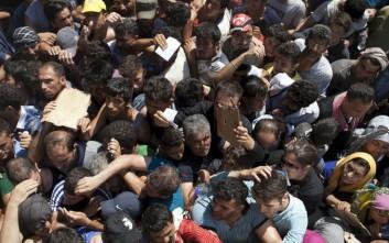 Κυβερνητική σύσκεψη για το θέμα των σκουπιδιών σε νησιά που δέχονται μετανάστες