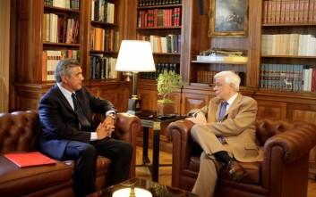 Παυλόπουλος: Να μην υπάρξει κενό στην πορεία της χώρας εντός ευρωζώνης