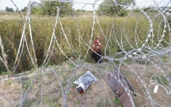 Η Ουγγαρία θα εξετάσει το ενδεχόμενο ενός «διαδρόμου» για τη διέλευση προσφύγων