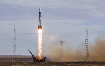 Προσγειώθηκαν στο Καζακστάν οι δύο αστροναύτες του Σογιούζ
