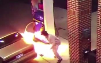 Οδηγός επιχείρησε να σκοτώσει αράχνη με αναπτήρα... μέσα σε βενζινάδικο!