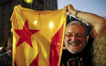 Ακάθεκτοι προς την ανεξαρτησία συνεχίσουν οι Καταλανοί