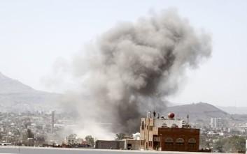 Βομβαρδισμοί σε αεροπορική βάση στην Υεμένη