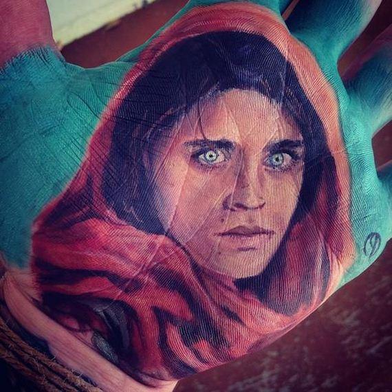 04-artist-paints-realistic-portraits
