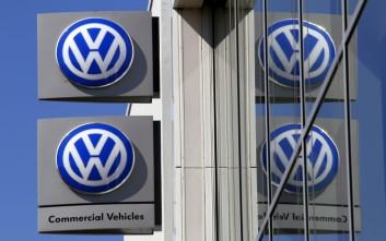 Έρευνες στα γραφεία των αυτοκινητοβιομηχανιών Daimler και VW