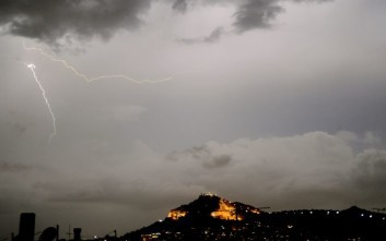 Καιρός: Βροχές και καταιγίδες σήμερα, πού θα είναι έντονα τα φαινόμενα