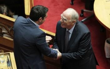 Πρωτοκλασάτα στελέχη της κυβέρνησης ανέλαβαν τα ανοίγματα στον Λεβέντη