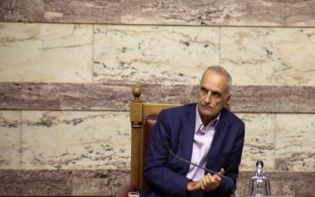 Βαρεμένος: Ο Χρυσοχοΐδης δίνει εξετάσεις στους ακροδεξιούς της ΝΔ