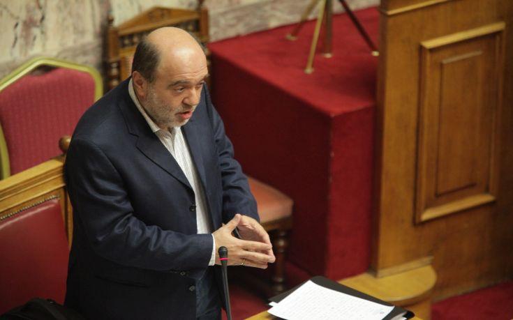 Αλεξιάδης: Αυτοί που τώρα χτυπούν την πλάτη στους επαγγελματίες ετοιμάζουν πιο βάρβαρα μέτρα