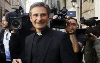 Κληρικός της Ιεράς Εξέτασης: Είμαι ομοφυλόφιλος και ευτυχής ιερέας