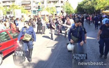 Μικροένταση μεταξύ αντιφασιστών και κατοίκων στην πλατεία Βικτωρίας
