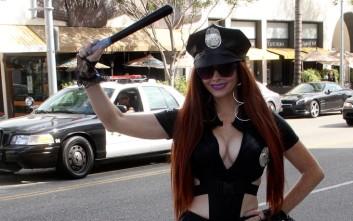 Μια απείθαρχη αστυνομικίνα