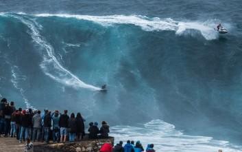 Δαμάζοντας κύματα-βουνά