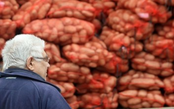Αγροτικά προϊόντα σε άπορους από το δήμο Αμαρουσίου