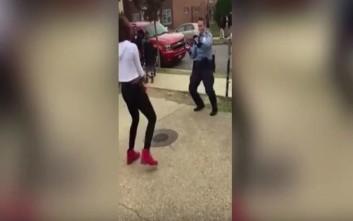 Έφηβη προκαλεί αστυνομικό σε... χορό