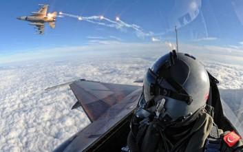 Εικονικές αερομαχίες και 33 παραβιάσεις την Τετάρτη στο Αιγαίο