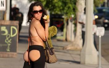 Η ηθοποιός Alicia Arden βγήκε για ψώνια!
