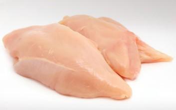 Γιατί πρέπει να σταματήσετε να πλένετε το ωμό κοτόπουλο